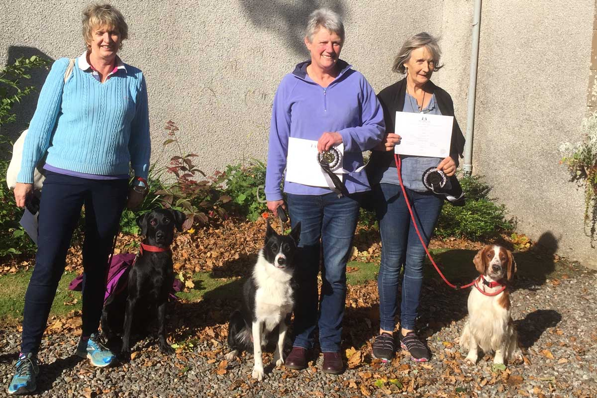 Kennel Club Good Citizen SILVER on 30 September 2017 Elaine with Skye, Diane with Robbie and Fionna with Cora